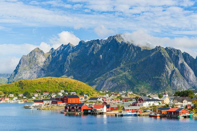 Самые красивые деревни и маленькие города Европы: Рейн, Норвегия