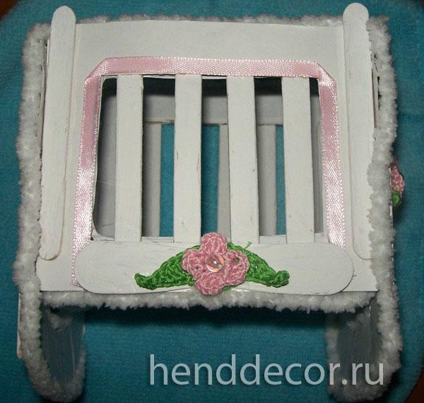 Как сделать игрушечную кроватку своими руками