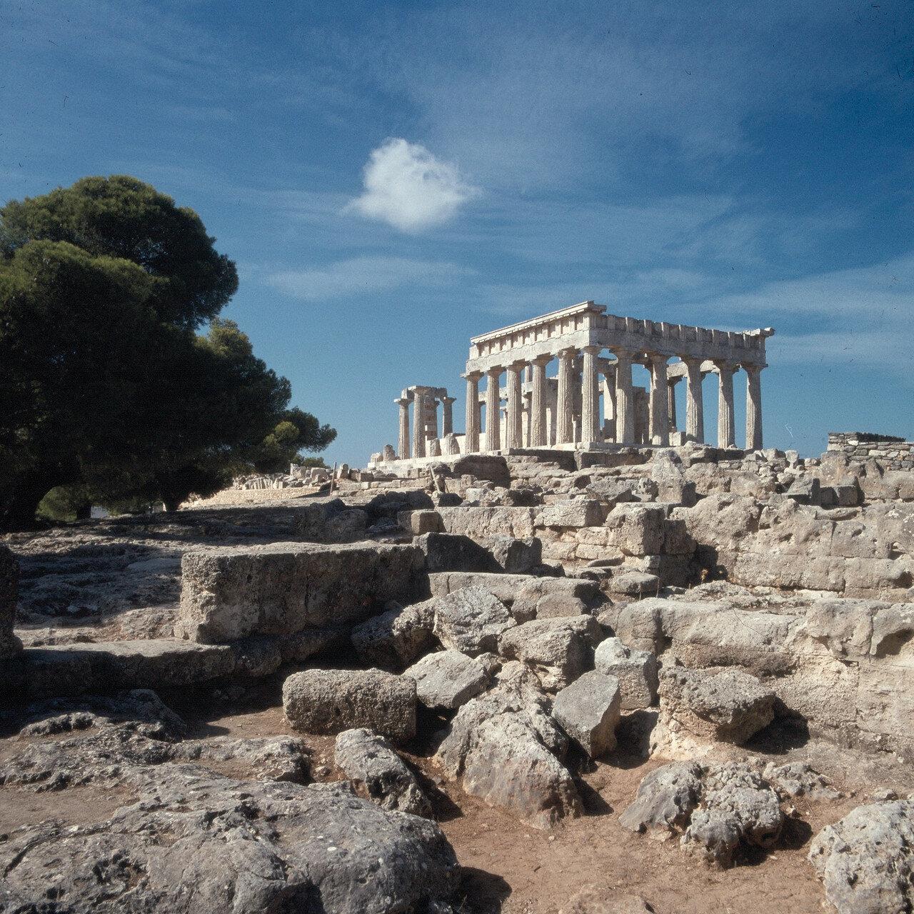 Эгина. Храм Афайи. Вид с запада от Пропилеев