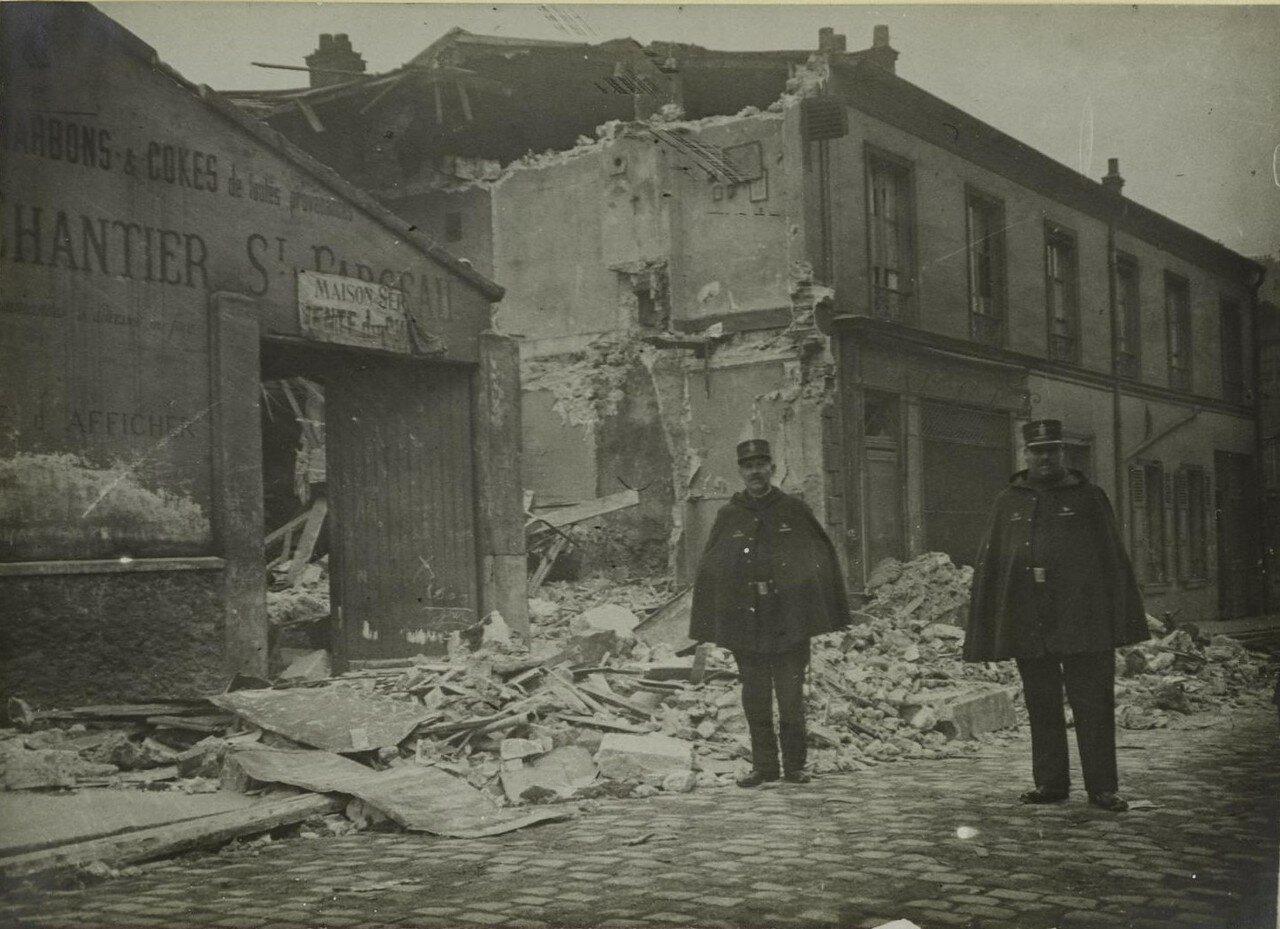 1916. Урон, нанесенный бомбами немецких дирижаблей. Улица Haxo. 29 января
