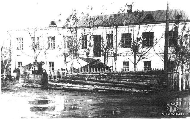 Бывшая 11 школа, где был Дом творчества