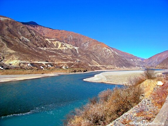 Китай, провинция Сычуань. Предгорье Гималаев.
