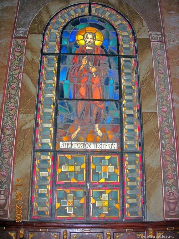 Египет. Александрия. Мозаичный витраж с изображением святого апостола Петра.