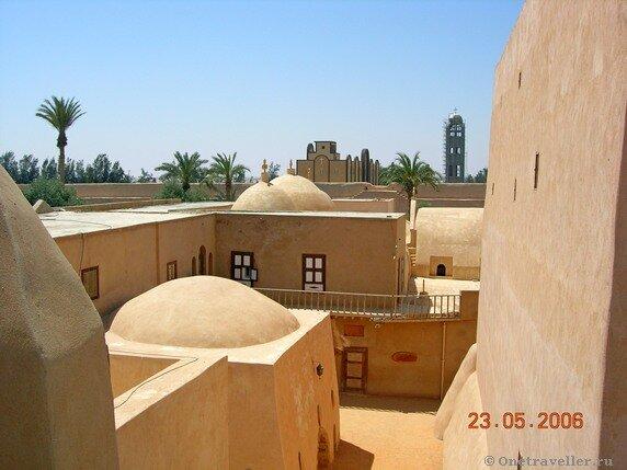 Египет. Монастырь Эль-Барамос.