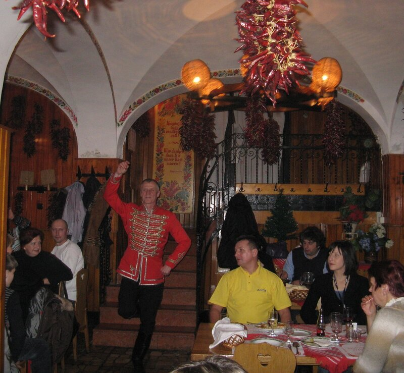 Budapest. Traditional Hungarian tavern, Folklore show
