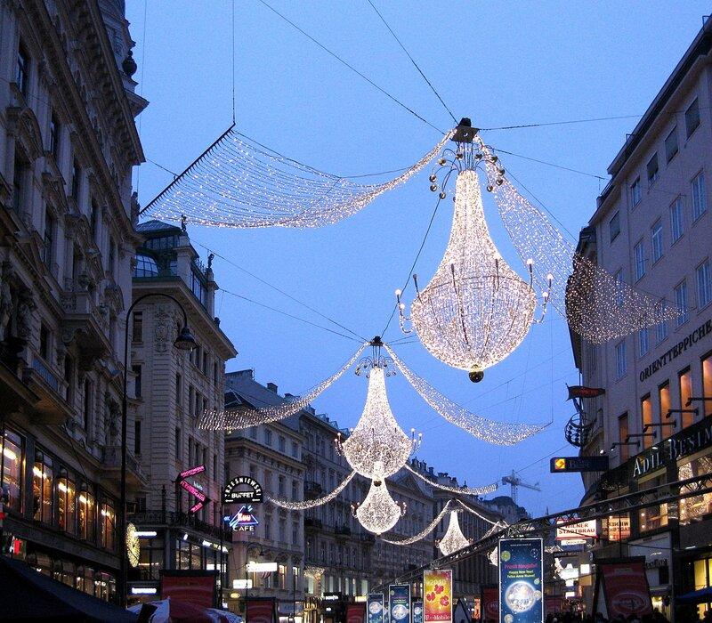 Вена. Улица Грабен в новогодней иллюминации