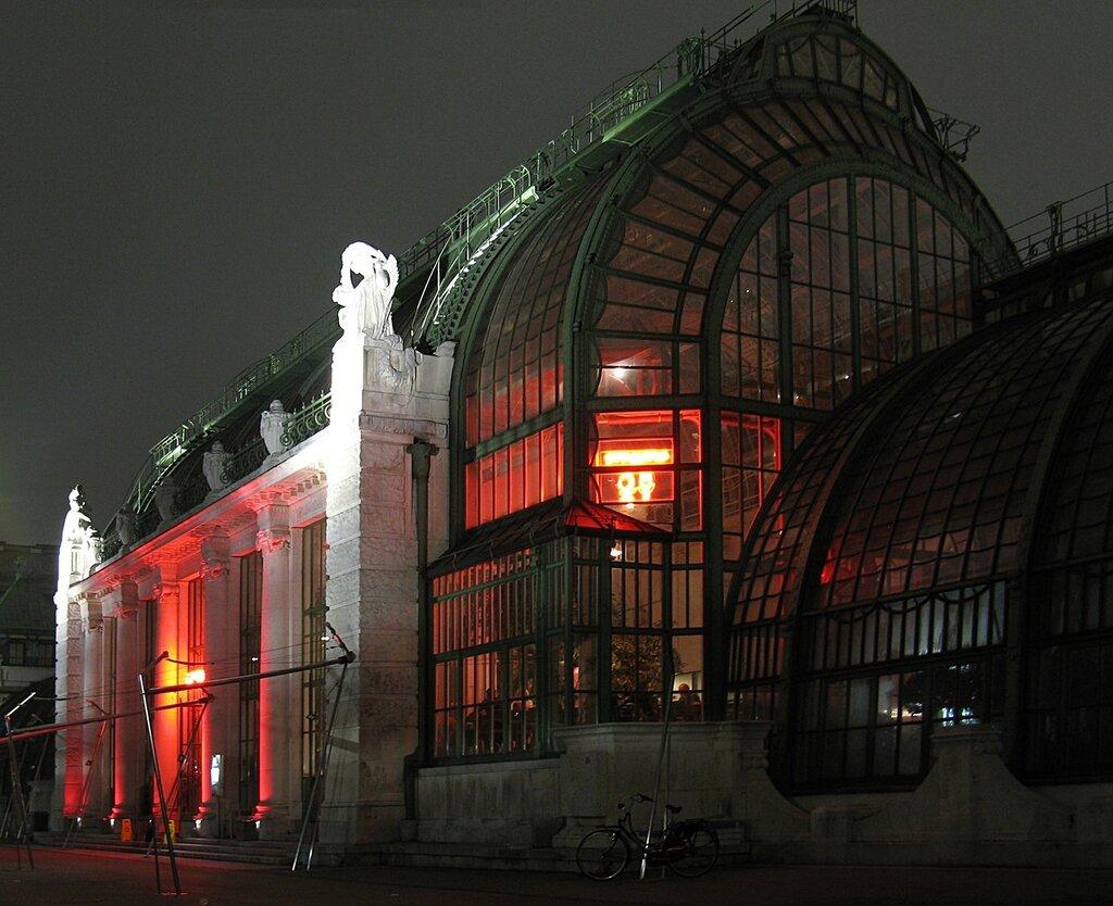 Night Vienna. Palm House (Palmenhaus)