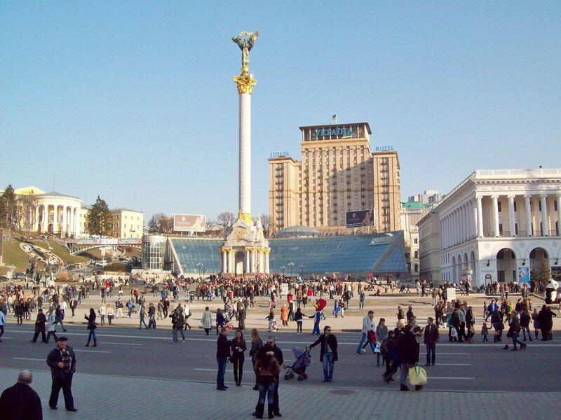 Крещатик в районе Майдана Незалежности