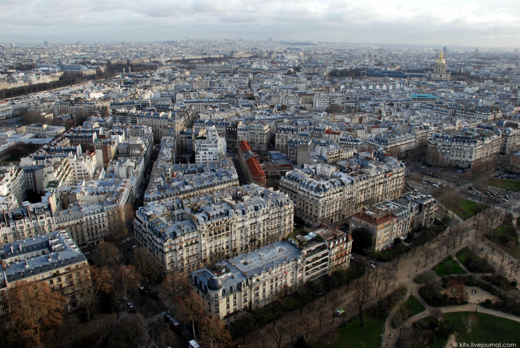 Как выглядит Париж с Эйфелевой башни?