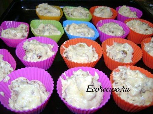 Приготовление кексов в формочках