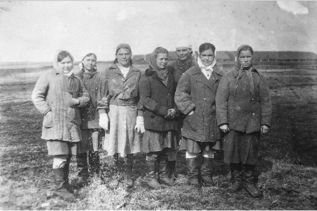 Женщины – заключенные Ново-Ивановского отделения Сиблага. Фото 1940-х