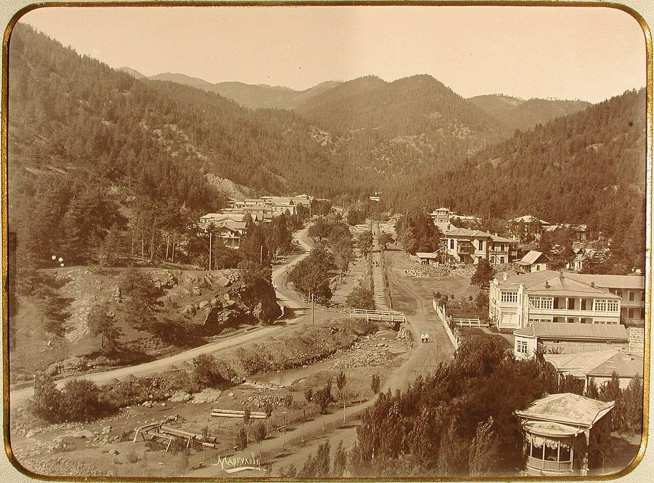 Вид на селение Абастуман Кутаисской губернии, известное своими минеральными источниками