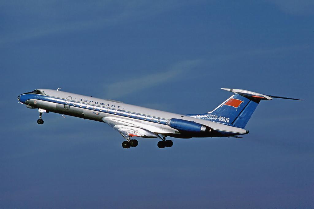 Aeroflot Tu-134A CCCP-65976 LFSB May 1976.png