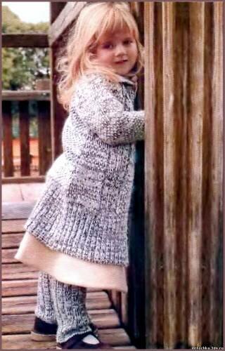 вязаное детское пальто с