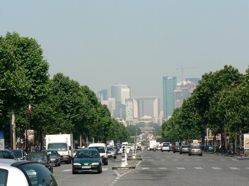 Район Дефанс в Париже