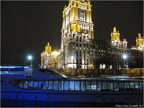 УК «Гостиница Украина» - освещение причала, освещение яхт.