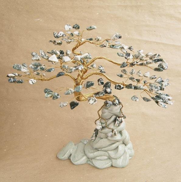 Дерево из камня фото