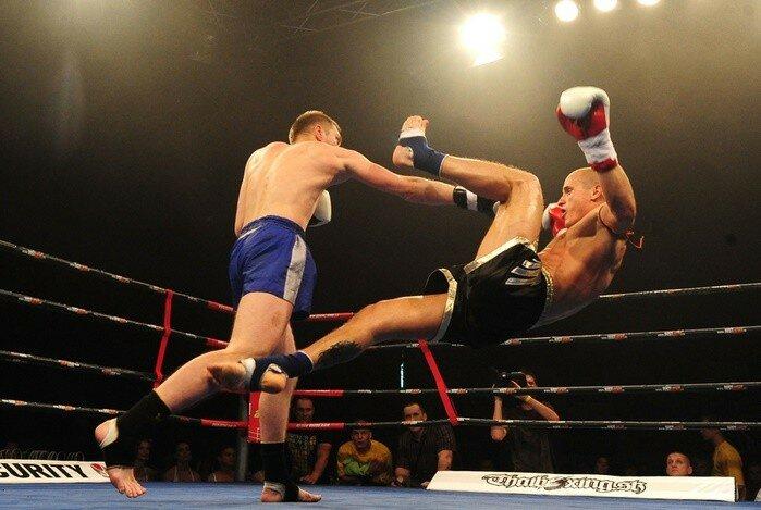 По настоящему Кровавый спорт (фотографии бойцов муай тай)