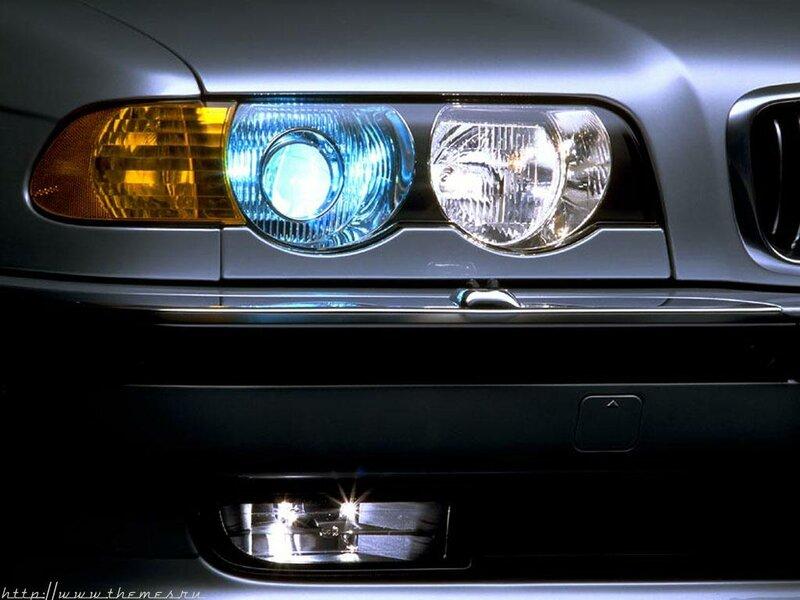 Передняя оптика BMW E38 7 Series обновленная в 1998 году.