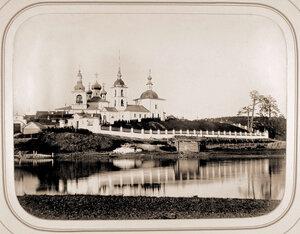 Вид на Горицкий женский монастырь на реке Шексне.