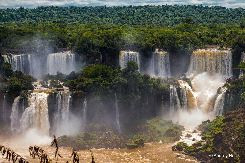 Игуасу - самый полноводный водопад в мире!