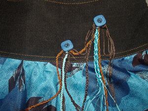 Декоративная отделка пуговицами и шелковыми шнурочками