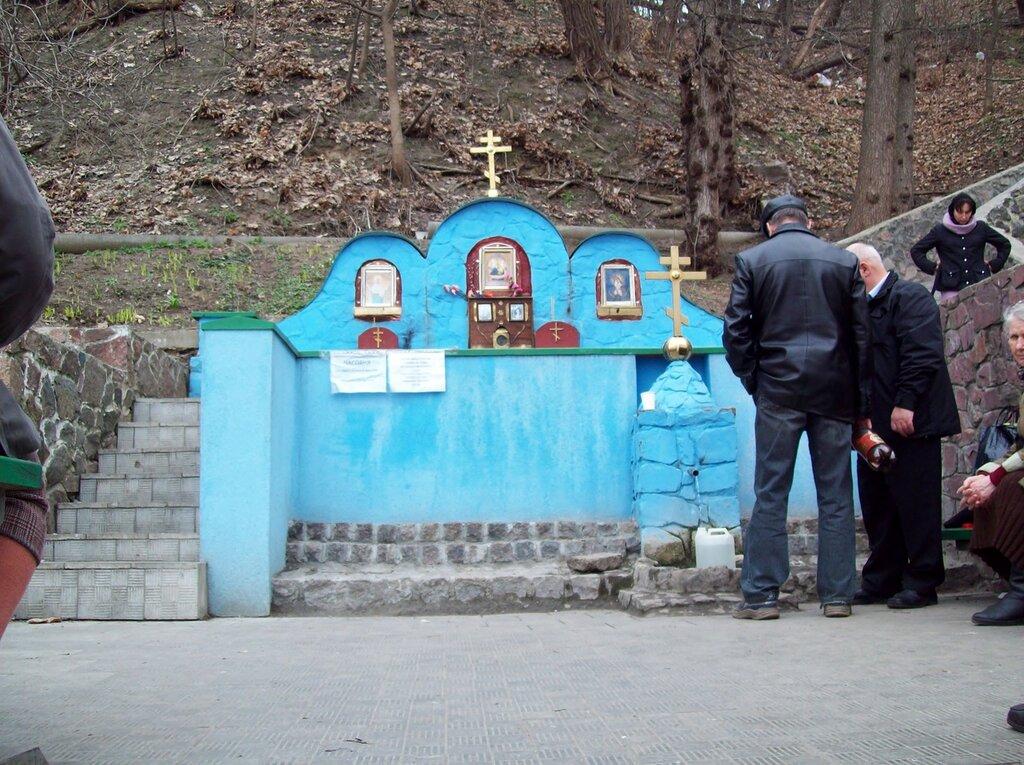 Источник на склоне Печерского холма
