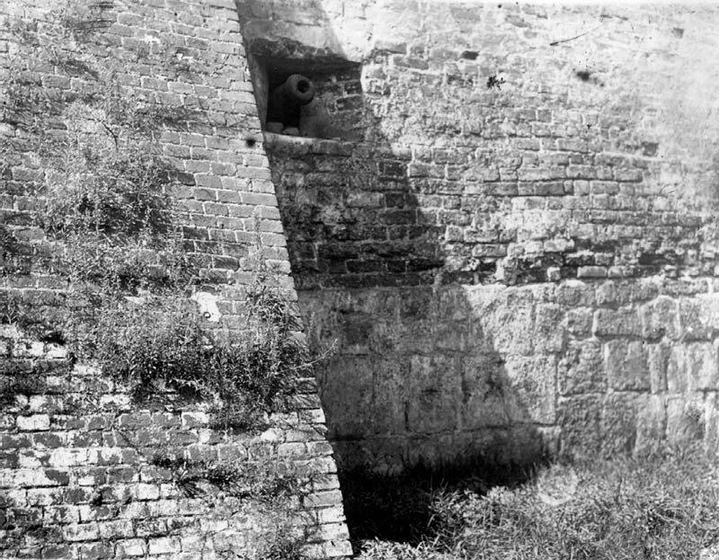 Фото 1930-х гг. Фрагмент китайгородской стены.