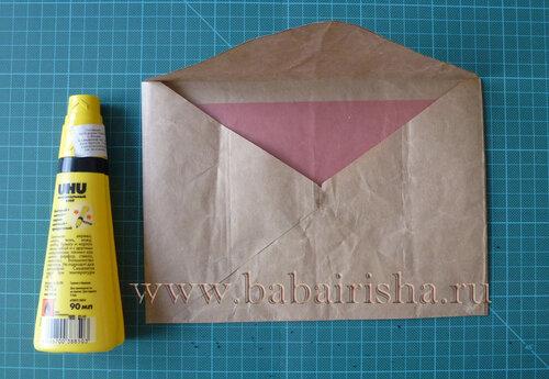 конверт из крафт бумаги