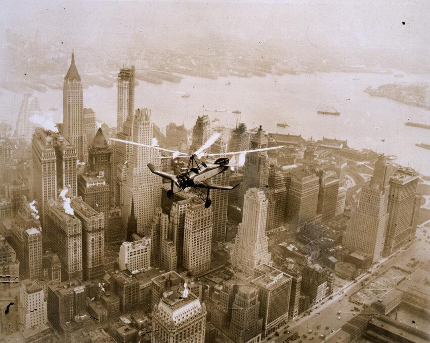 Cierva Autogiro over Manhattan Island 1931
