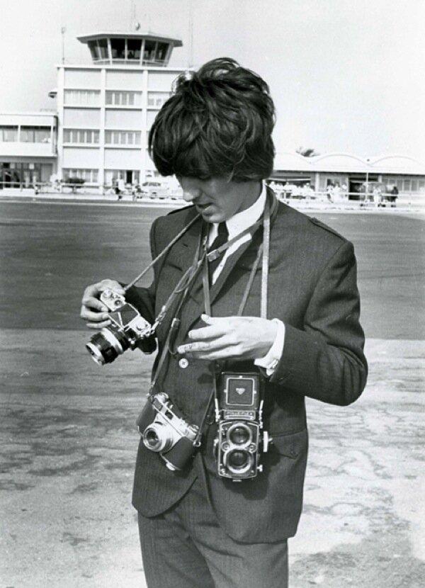 George Harrison с Nikon F, Kodak Retina IIS и Rolleiflex