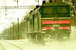 Пассажирский поезд на юге Сахалина провёл несколько часов в снежном плену