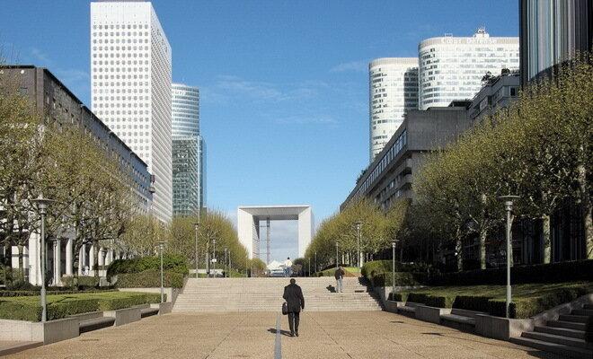 Деловой район Ла Дефанс. Париж