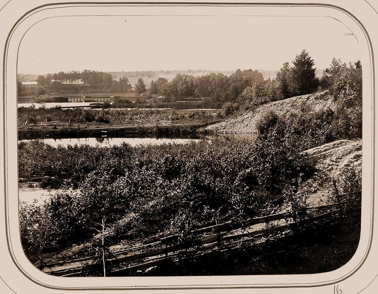 Вид на Петербургскую плотину от Олонецкого шлюза