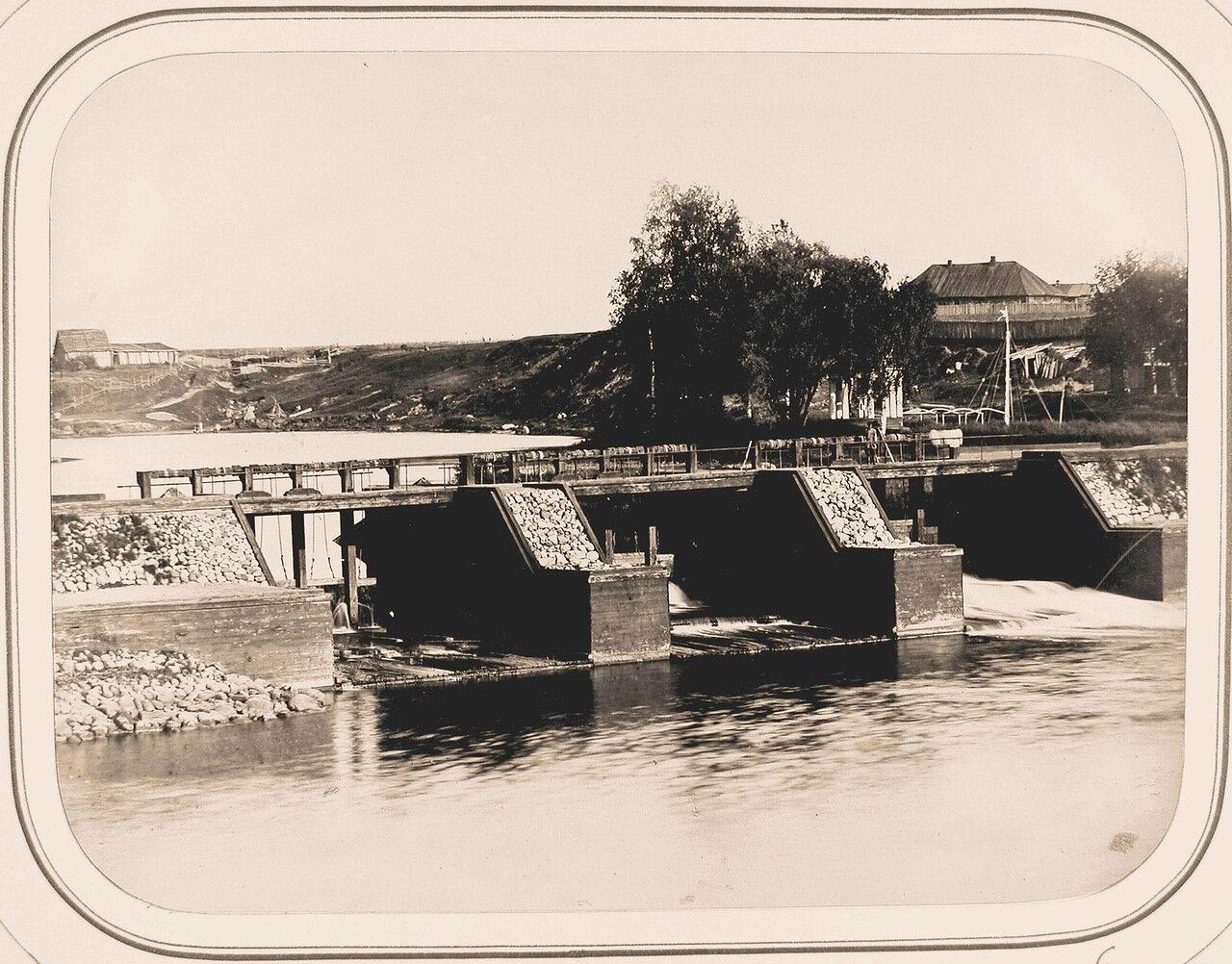 Вид на Тихвинскую плотину