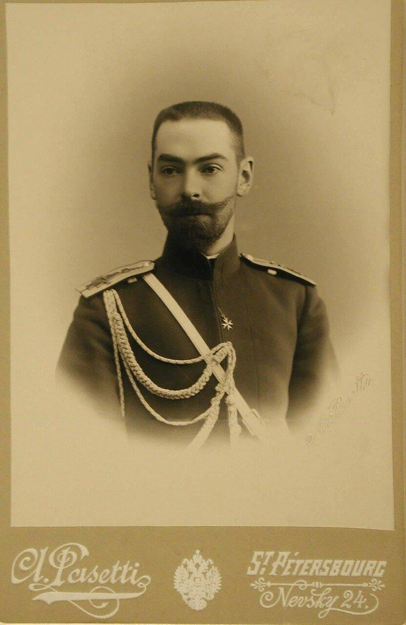 Граббе Михаил Николаевич (1868-1942) - граф, генерал-майор Свиты Его императорского величества, командир лейб-гвардии Сводно-казачьего полка
