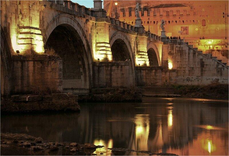 Под мостом Ангелов...