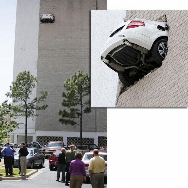 0 7027c 42e2ded3 orig 60 самых нелепых автомобильных происшествий