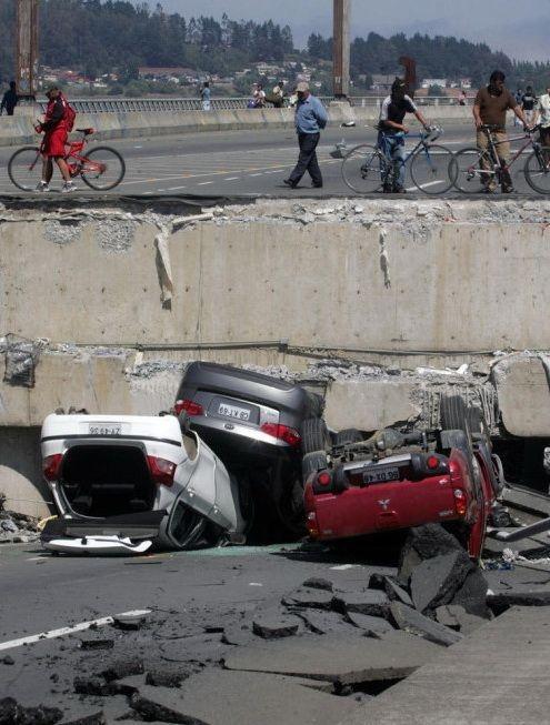 0 702a8 f034da56 orig 60 самых нелепых автомобильных происшествий