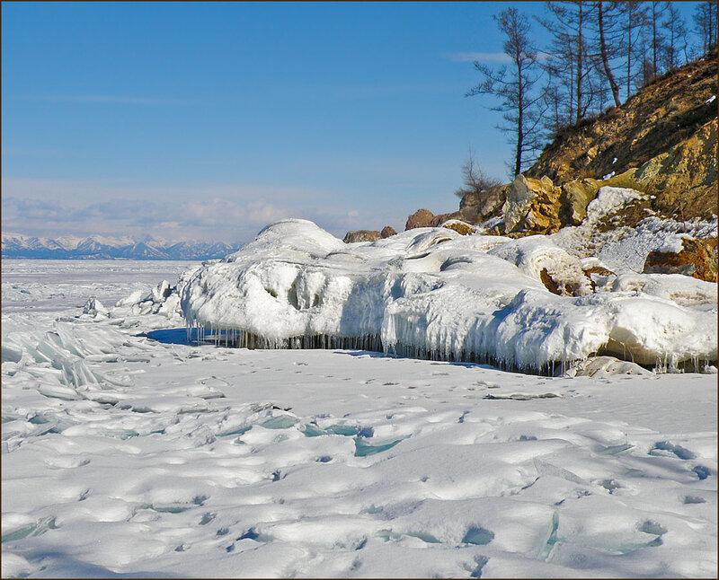 У берега Ольхона