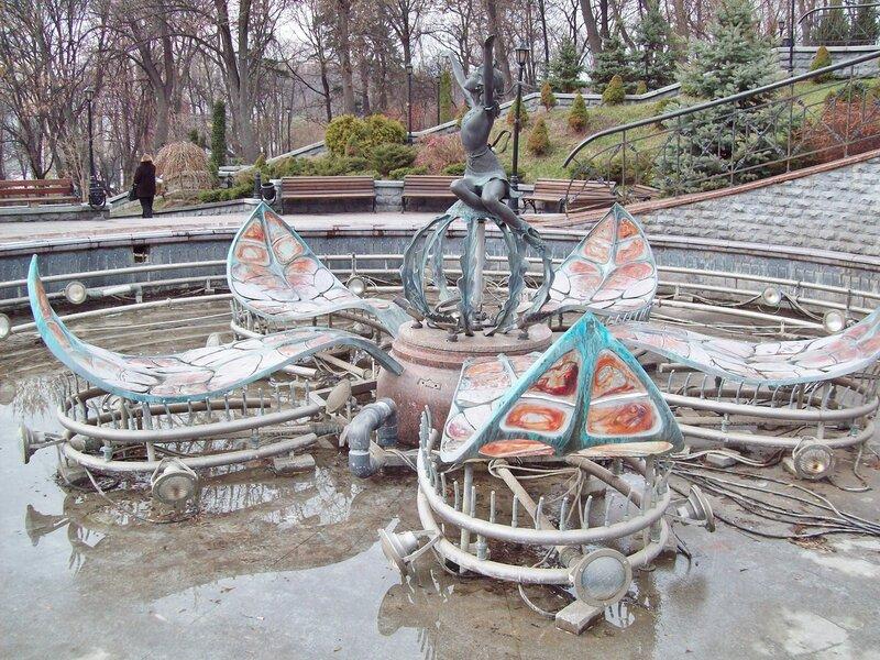 Фонтан Дюймовочка