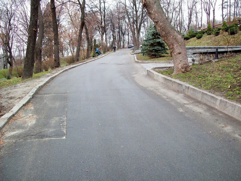 Дорога Хрещатого парка