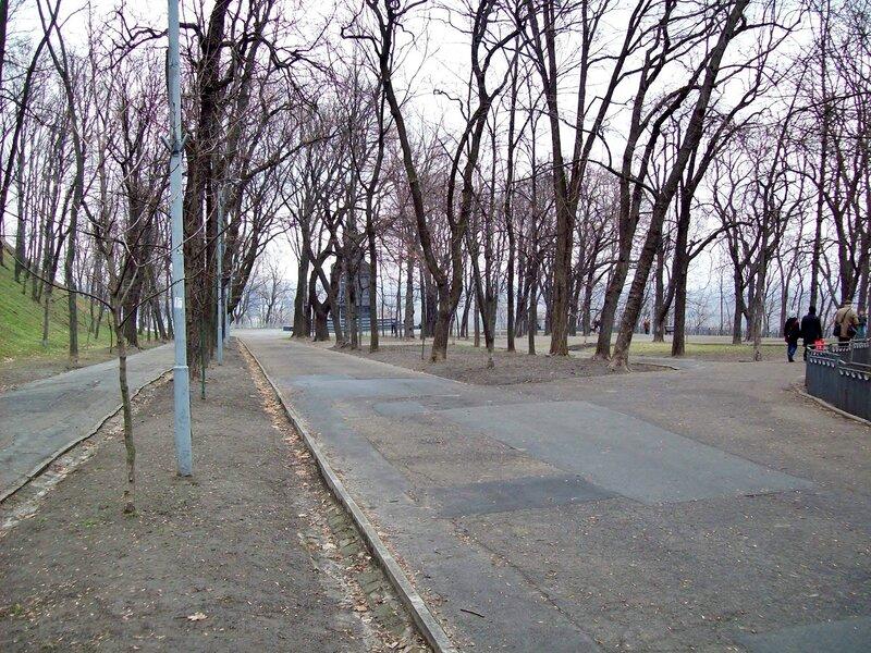Нижняя терраса Владимирской горки