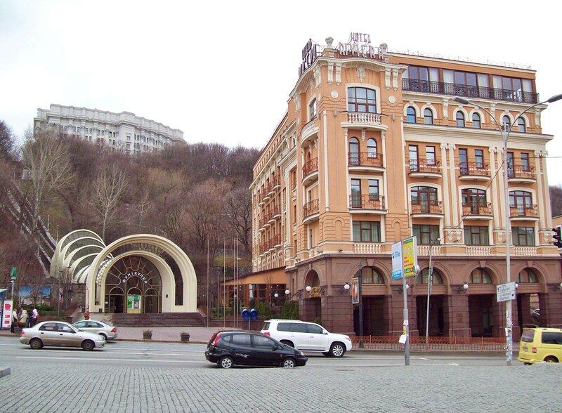 нижняя станция киевского фуникулера