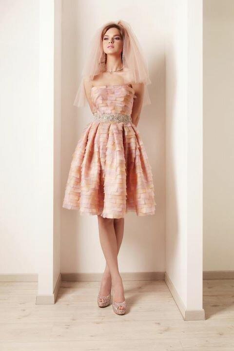 Платья в нежных тонах