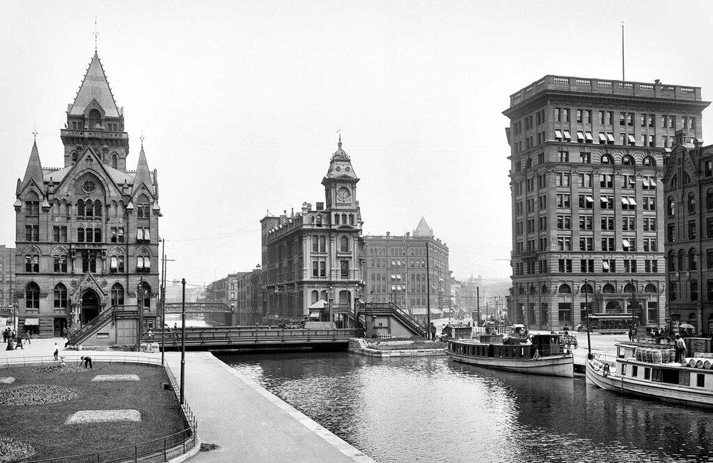 Erie Canal at Salina Street, Syracuse, New York