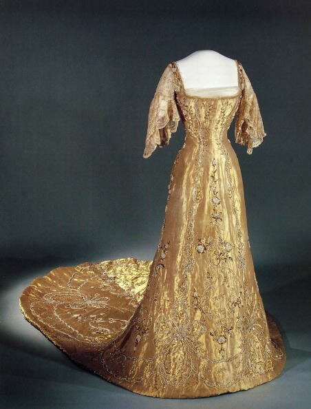 QUEEN MAUD CORONATION DRESS AT V&A