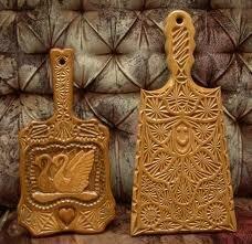Взывает откликнутся мастеров традиционных ремёсел (резьба по дереву, кузнечное дело, ткачество...  Пишите мне в личку...