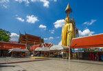 Стоящий Будда