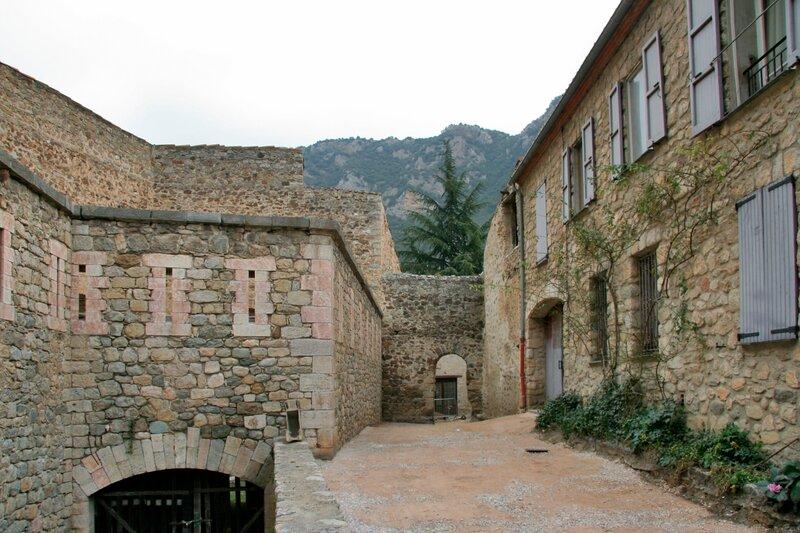 Крепостные сооружения, Вильфранш-де-Конфлан
